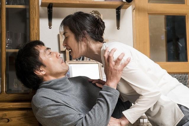 阿部寛&天海祐希、初監督・遊川和彦の演出術に最敬礼