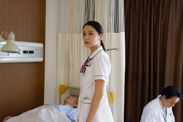 長澤まさみ、看護師姿を披露!「アイアムアヒーロー」連動ドラマが完成
