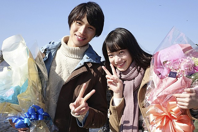 福士蒼汰&小松菜奈、相思相愛のクランクアップ!京都でのデートシーンは「リアルに楽しんだ」