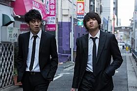 それぞれ主演を飾る(左から)青木玄徳&山田裕貴「闇金ドッグス」