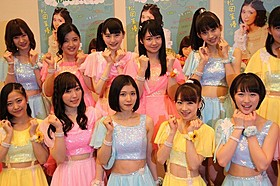 「モーニング娘。'16」とともにステージで パフォーマンスを披露した松岡茉優