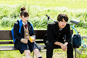 注目の若手・伊藤沙莉と中川大志が共演「大人ドロップ」