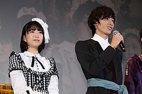 舞台挨拶に立った小関裕太と森川葵「ドロメ 男子篇」