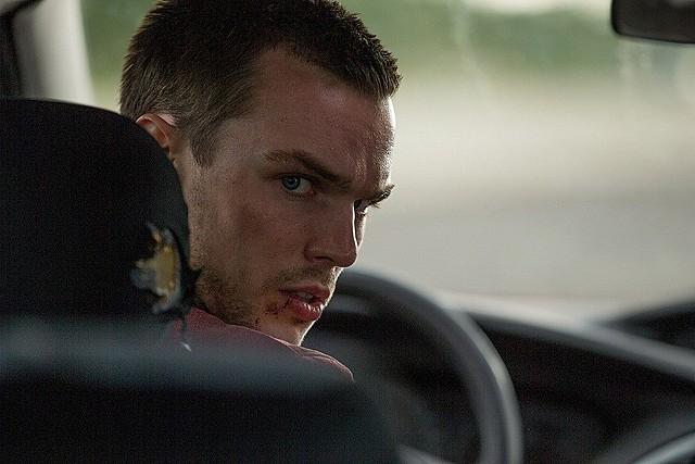 ニコラス・ホルトが高級車でブッちぎる「アウトバーン」6月公開!