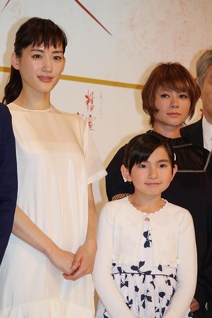 綾瀬はるか、身長20センチ伸びた鈴木梨央ちゃんの成長ぶりにびっくり