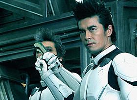 伊藤英明が驚きの姿に変異「テラフォーマーズ」