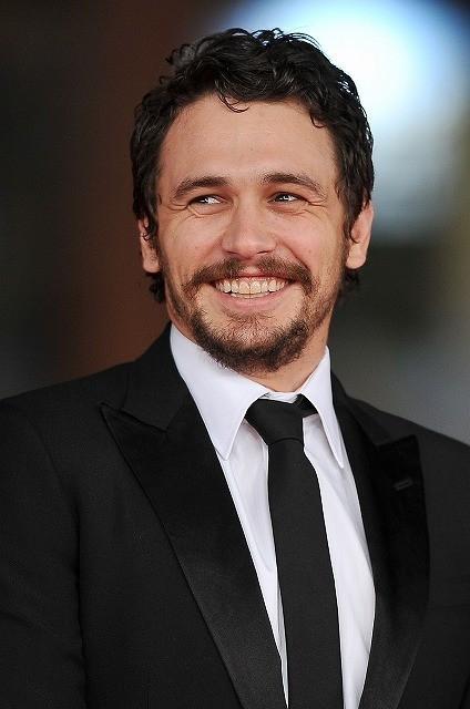 ジェームズ・フランコがレズビアン・バンパイア映画を制作総指揮、トリ・スペリングと共演
