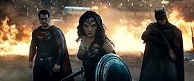 3大ヒーローがそろい踏み!「バットマン vs スーパーマン ジャスティスの誕生」