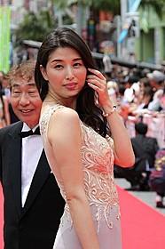 沖縄映画祭に参加した蛭子能収と橋本マナミ「任侠野郎」
