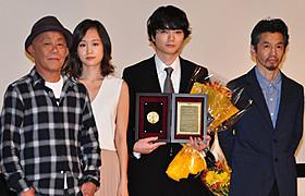 染谷将太が日プロ大賞主演男優賞「バクマン。」