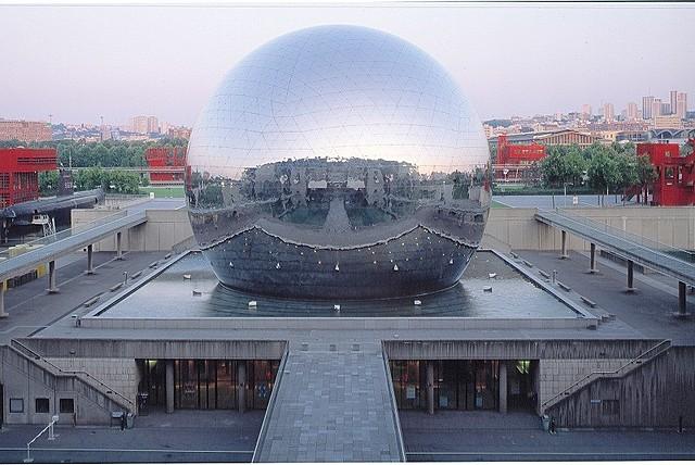 【世界の映画館めぐり】パリのIMAXドームシアター「ラ・ジェオド」で、大迫力のドキュメンタリーを楽しもう