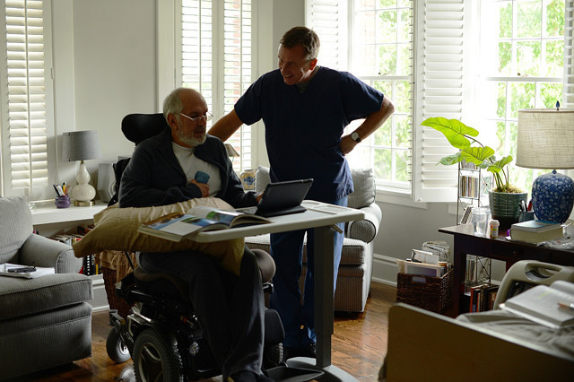 ティム・ロスが終末期患者と向き合う「或る終焉」冒頭映像