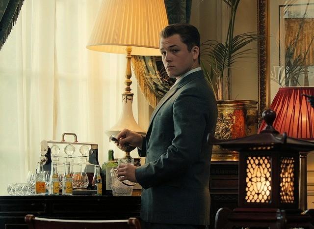 タロン・エガートン、トム・ハーディに緊張?「レジェンド」インタビュー映像で告白