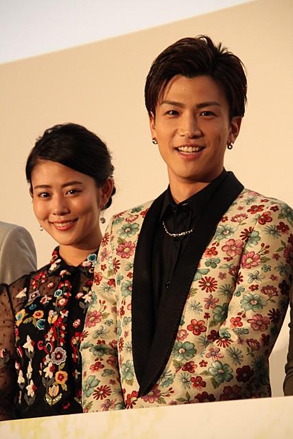 """岩田剛典の""""植物""""ジャケットに高畑充希「これを着られるのは日本でひとりだけ」"""