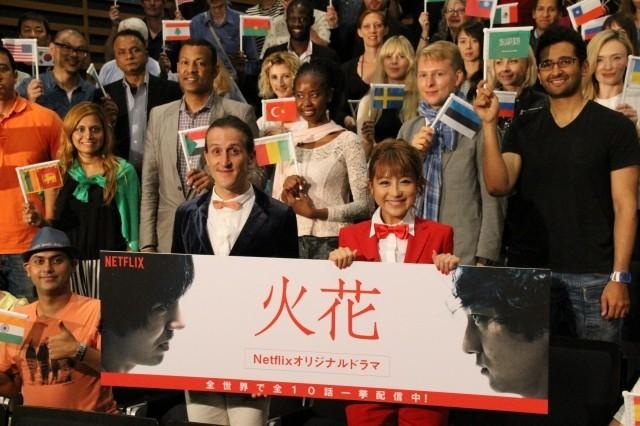 Netflixドラマ「火花」に60カ国75人の外国人が熱狂!英訳担当チャドは充実の表情