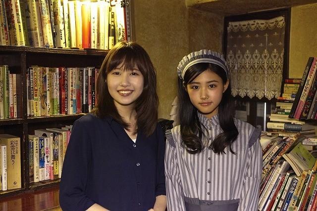 酒井麻衣監督(左)と原菜乃華