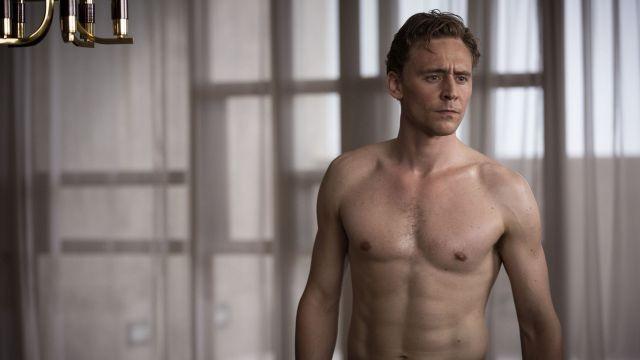 「ハイ・ライズ」マナー映像でトム・ヒドルストンに「全裸禁止」!