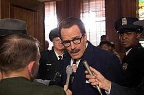 不屈の脚本家を演じたブライアン・クランストンが オスカーノミネートを果たした「トランボ ハリウッドに最も嫌われた男」