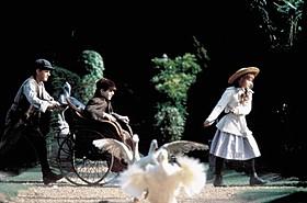 1993年に製作された「秘密の花園」「パディントン」