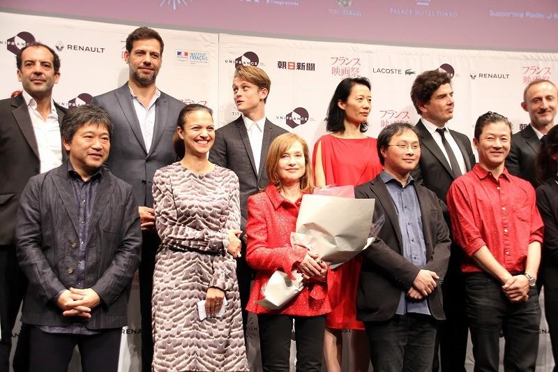 フランス映画祭開幕 イザベル・ユペール、是枝監督を「チェーホフのように偉大」と絶賛