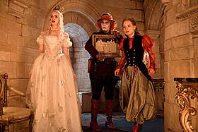 ジョニー・デップ、ミア・ワシコウスカ、 アン・ハサウェイらが「アリス・イン・ワンダーランド」を語る「アリス・イン・ワンダーランド」