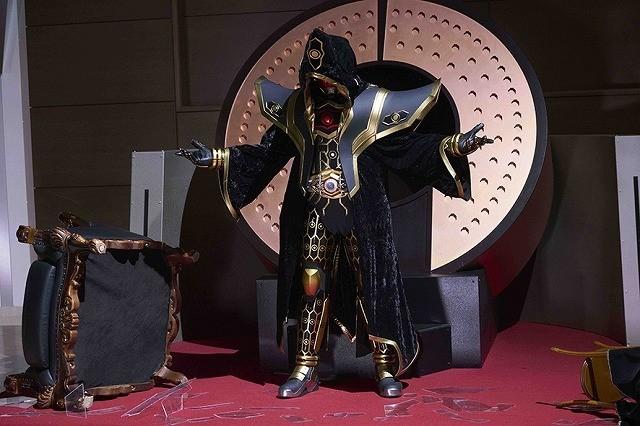 敵か味方か…劇場版「仮面ライダーゴースト」謎に包まれた新ライダー登場!