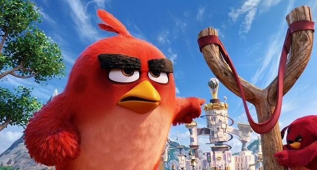 飛べない鳥がパチンコで空を舞う!「アングリーバード」オリジナル本予告完成