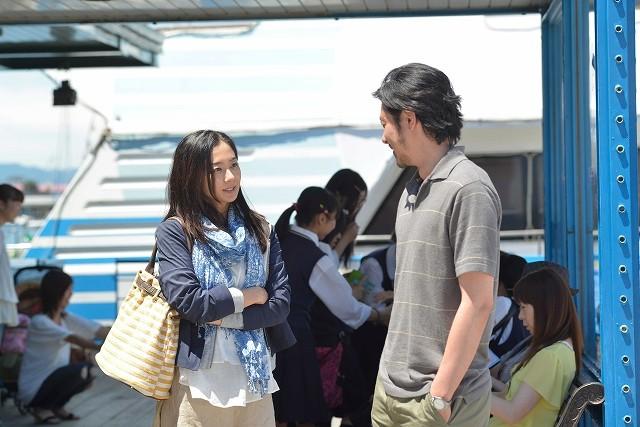 元夫婦役のオダギリジョー&優香が港で再会 「オーバー・フェンス」新場面写真披露