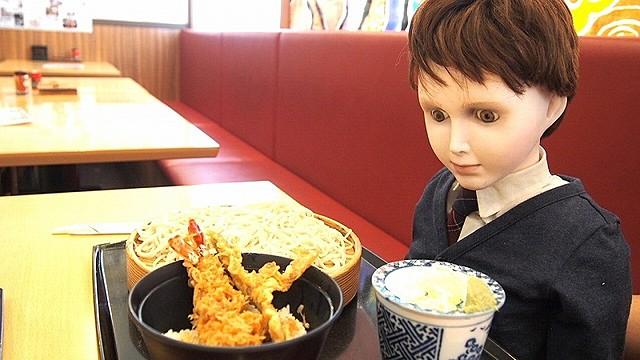 東京観光で和食を楽しむブラームス