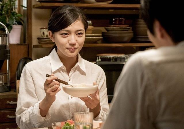川口春奈×林遣都「にがくてあまい」主題歌はOKAMOTO'S!「刺激的でセクシーな楽曲」に