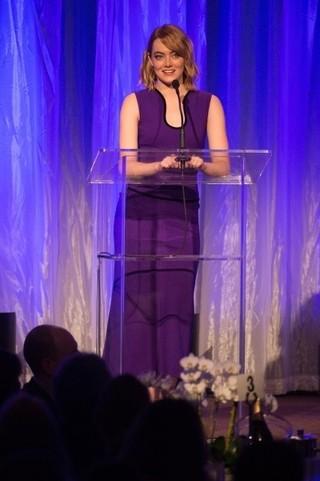 ハリウッド外国人記者協会が240万ドルを寄付