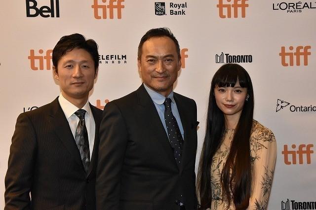 トロント国際映画祭に出席した渡辺謙、宮崎あおい、李相日監督