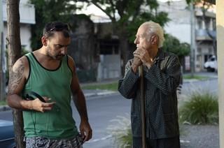 打ち合わせ中のパブロ・トラペロ監督(写真左)「エル・クラン」