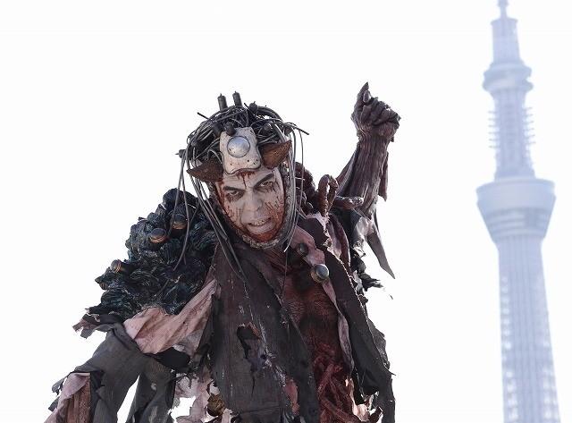 田中要次が血みどろダークヒーローに!「蠱毒 ミートボールマシン」で映画初主演
