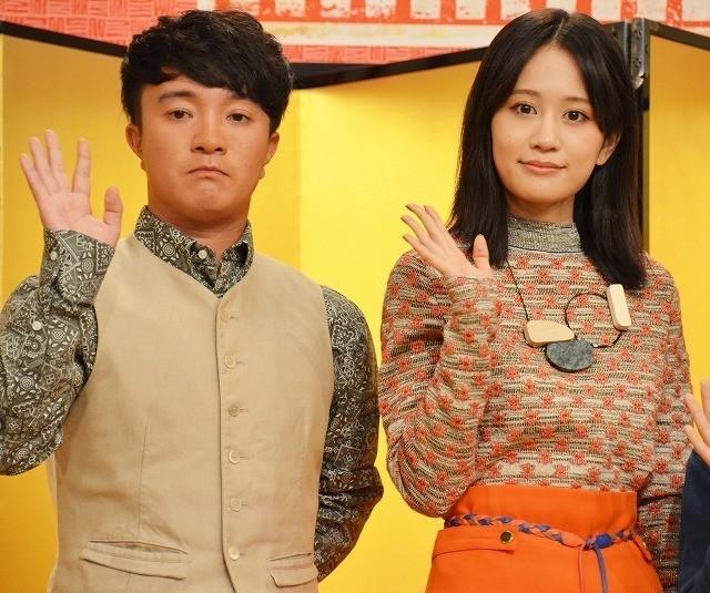 NHKの落語番組に出演する濱田岳と前田敦子
