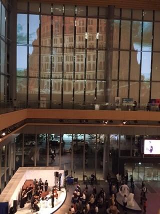 ブリューゲル「バベルの塔」24年ぶり来日決定 丸ビルでプロジェクションマッピング実施