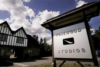 「SW」「007」撮影スタジオ、英パインウッド売却完了 今後も拡張路線