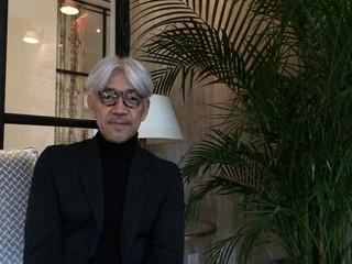 栄誉賞を受賞した坂本龍一「戦場のメリークリスマス」