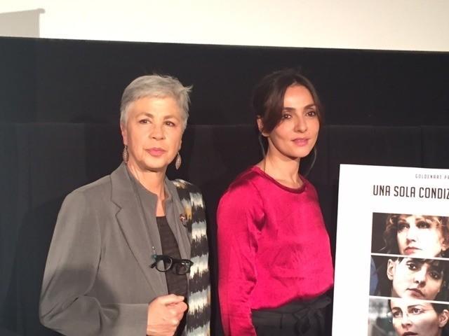 オッタビア・ピッコロ(左)と アンブラ・アンジョリーニ