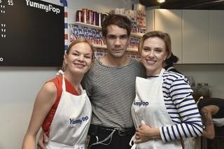 スカーレット・ヨハンソン、仏パリでポップコーン店をオープン!