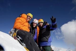 """この山で死ぬのか?""""世界一の壁""""に挑んだ登山家の姿を描く「MERU メルー」予告公開"""