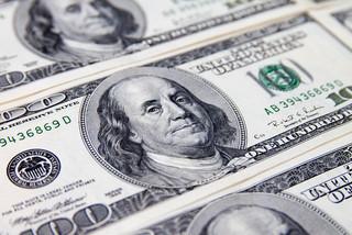 ハリウッドの映画プロデューサーが27億円以上の詐欺容疑で逮捕
