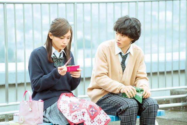 山崎賢人が川口春奈に猛アプローチ!「一週間フレンズ。」一途な恋を切り取った場面写真 - 画像2