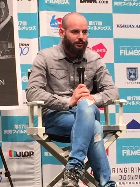 ユダヤ教超正統派学生の人生をシュールに描いたロカルノ受賞作、主演俳優が来日