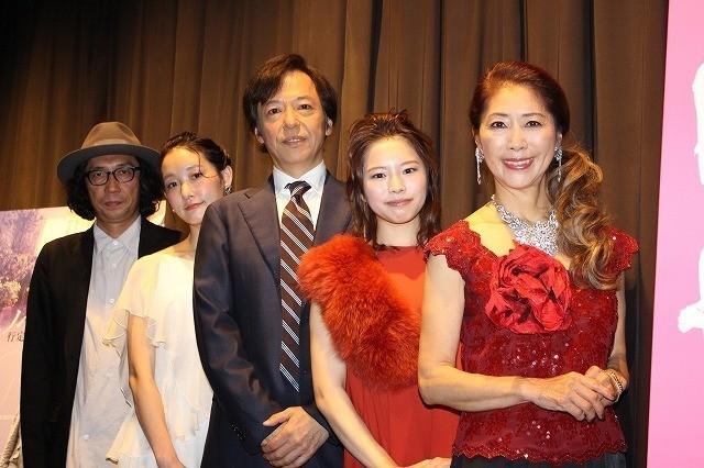 舞台挨拶を盛り上げた行定勲監督、芦那すみれ、 板尾創路、岡村いずみ、風祭ゆき(左から)