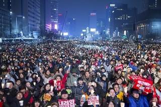 韓国、大統領スキャンダルのあおりで映画業界に打撃