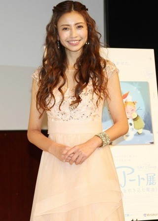 片瀬那奈、ディズニープリンセス風衣装で登場も「お姫様抱っこされたことない」