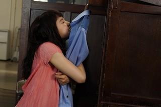 土屋太鳳が亀梨和也の制服を抱きしめる!「PとJK」劇中カット公開