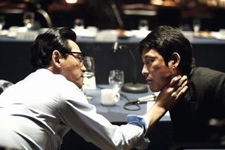 チョン・ウソンら韓国名優陣が血まみれに 「アシュラ」予告完成