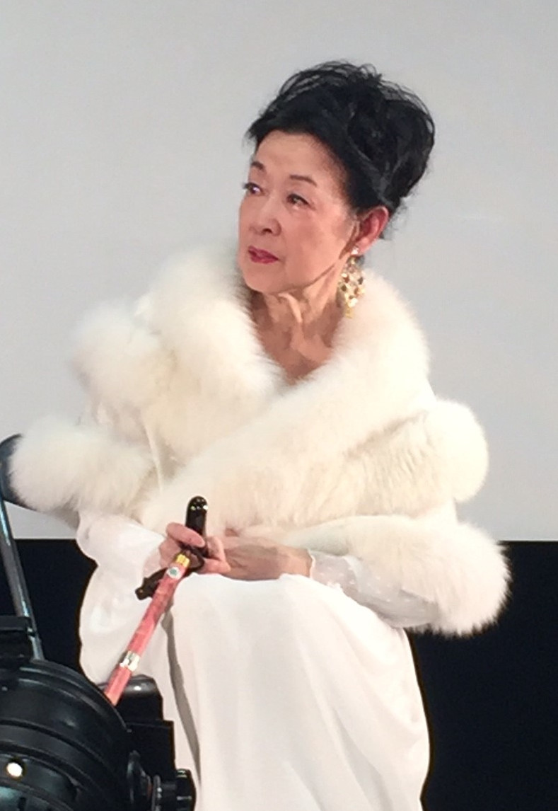 若尾文子、夫・黒川紀章さんデザインのジュエリー着けトーク 巨匠たちとの思い出語る
